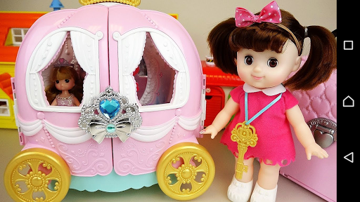 Play Doll and Toys Video screenshot 1